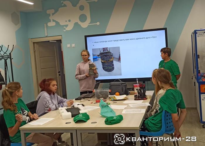 «Побег из КвантоОстрова»: в амурском мобильном кванториуме завершилась профильная смена