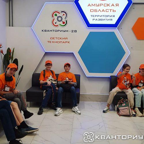 Участники смены «ИзобретариУМ» от «Кванториум-28» изучают космос и роботов